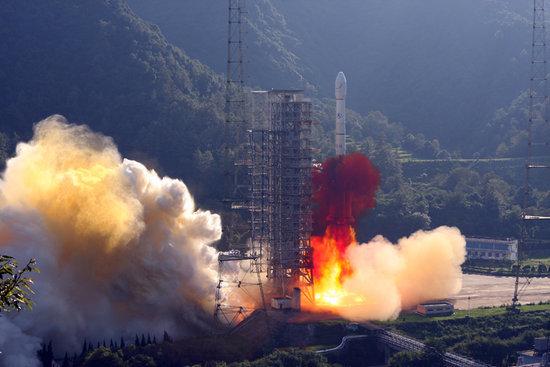 中国发射的印尼通信卫星变轨成功 编辑本段中国为印尼发射卫星定点