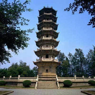 为仿木结构楼阁式砖塔