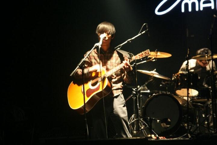 陈炯臻的歌《友谊天长地久》歌词