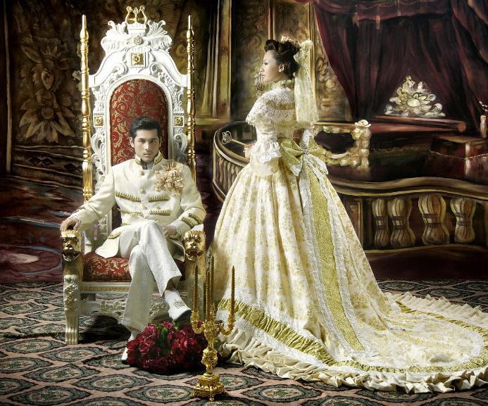 格调吸引了婚纱摄影机构在这里取景拍摄欧式婚纱照图片