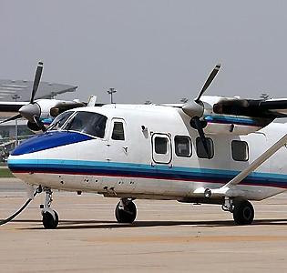 运12飞机采用了上单翼双发动机布局,使用两台加拿大普惠公司的pt6a-27