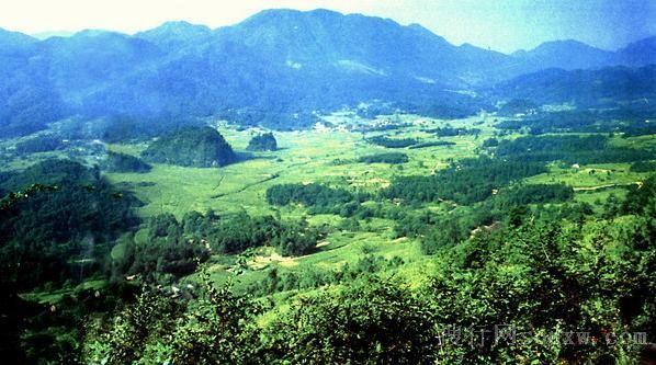 空山国家森林公园是2004年12月经国家林业局批准,在国有空山林场的